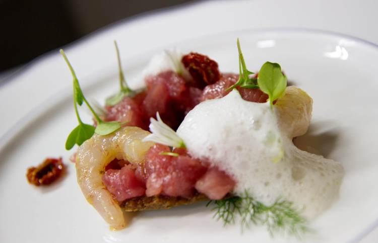 6 ristoranti romantici all'Isola d'Elba sul mare per una serata speciale: cucina di qualità, terrazze con vista, servizio eccellente