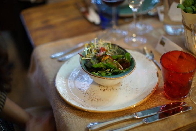 Le Social Dinner di TuscanyPeople sono eventi costruiti con la massima cura, scegliendo con attenzione i migliori fornitori 100% made in Tuscany.