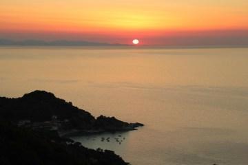 State cercando un luogo da cui godere di uno dei più bei tramonti all'Isola d'Elba? Ecco 7 location da cui ammirare 7 perfetti tuscan sunset