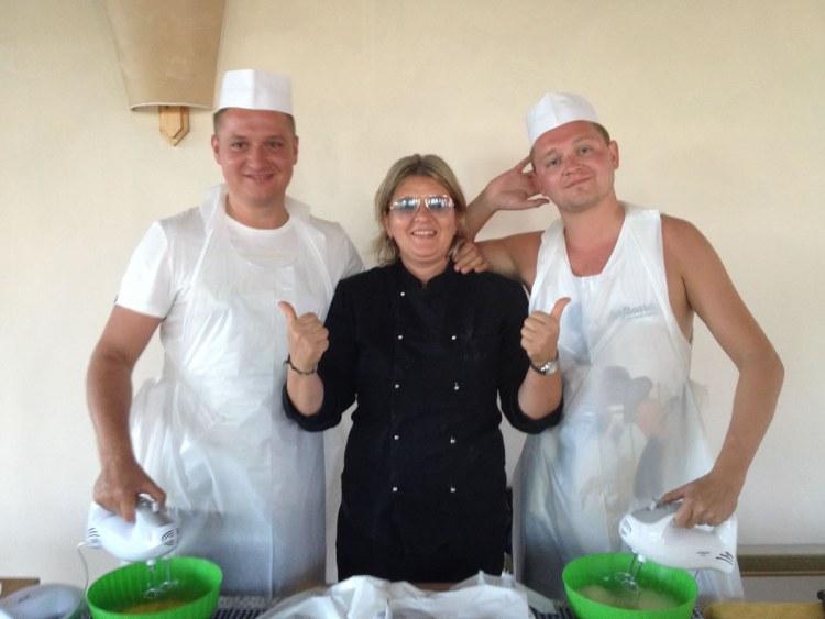 Cinzia Malgeri è una personal chef toscana che prepara deliziosi menù a domicilio (colazione, pranzo e cena) in Toscana, in Umbria e nel resto di Italia. La sua Agenzia si chiama infatti Tuscan Italian Cooking.