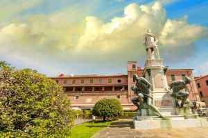 Alla morte di Francesco I salì sul trono mediceo Ferdinando I dei Medici che abbandonò la veste di Cardinale e divenne Granduca di Toscana