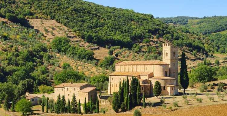 L'Ombrone è il 2° fiume più lungo della Toscana e percorre alcune delle zone più belle della regione: nasce nel Chianti e termina in Maremma