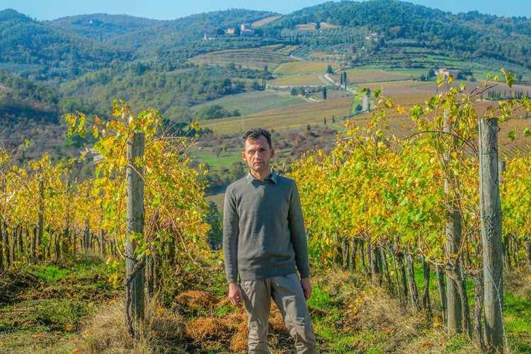 Cantina Leonardo Manetti: a Greve in Chianti il poeta viticoltore e coltivatore di Iris Pallida racconta la sua Toscana tramite la poesia.