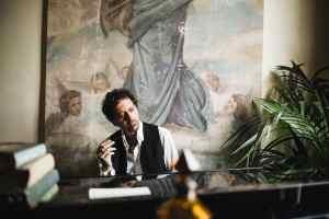 Sileno Cheloni, il profumo del maestro che porta al sé interiore