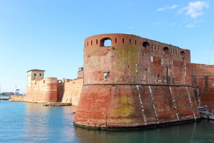Perché Pisa non ha il mare sebbene sia stata una delle 4 Repubbliche marinare? Storia di Pisa: dai Romani alla sconfitta della Meloria.