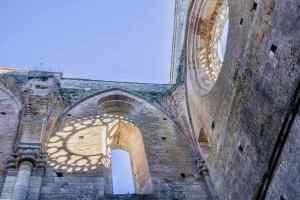 Il borgo toscano di Monticiano si trova a soli 5 km dall'Abbazia di San Galgano