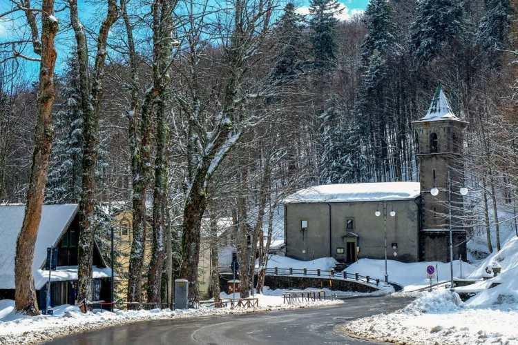 Abetone si trova sull'Appennino pistoiese al confine tra Toscana ed Emilia Romagna.