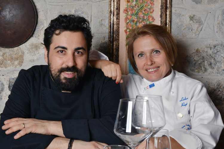 Lidia Rugi e lo chef del risotrante Perucà a San Gimignano