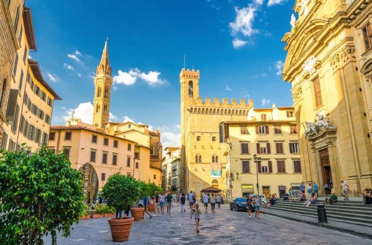 La Badia fiorentina e il Palazzo del Bargello si trovano nel centro storico di Firenze