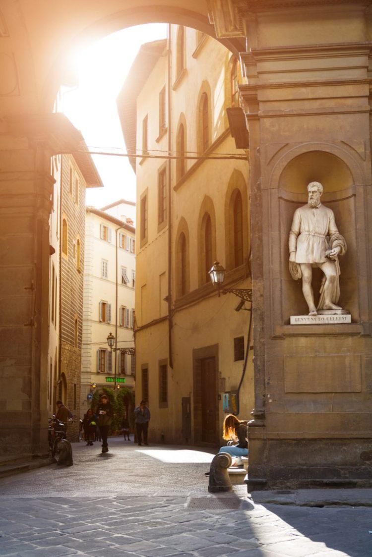 Le vie di Firenze: ingresso a via Lambertesca