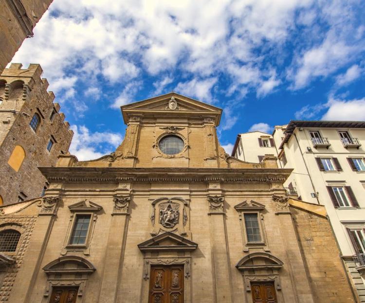 La Chiesa di Santa Trinita è una delle chiese a Firenze poco conosciute ma assolutamente da visitare.