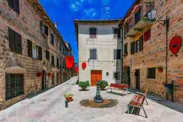 Abbadia San Salvatore, borgo toscano sul Monte Amiata