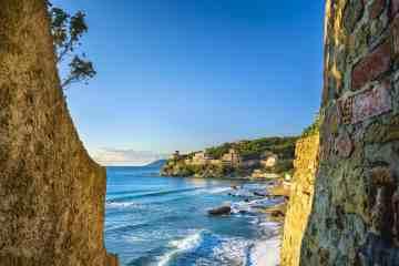 Castiglioncello è un paese della costa livornese, detta la perla del Tirreno
