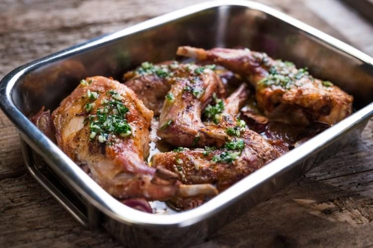 Ricetta toscana: coniglio arrosto cotto in padella