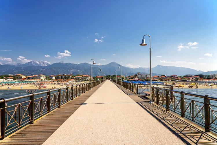 Marina di Pietrasanta è una famosa località della costa toscana in Versilia
