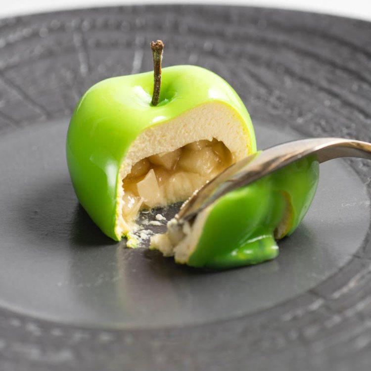 La finta mela dello chef Lorenzo Romano dell'Insolita Trattoria Tre Soldi di Firenze