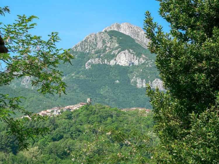 Vergemoli è un comune sparso tra Garfagnana e Lunigiana