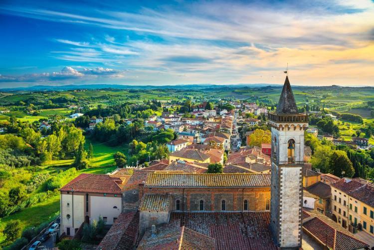 Veduta del borgo toscano di Vinci, paese natale di Leonardo in provincia di Firenze