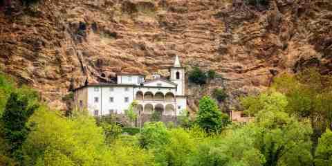 L'Eremo di Calomini si trova nel comune di Fabbriche di Vergemoli in Garfagnana