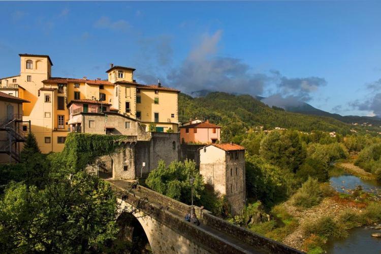 Vista sul borgo toscano di Castelnuovo di Garfagnana