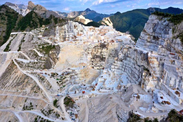 Cave di marmo sulle Alpi Apuane