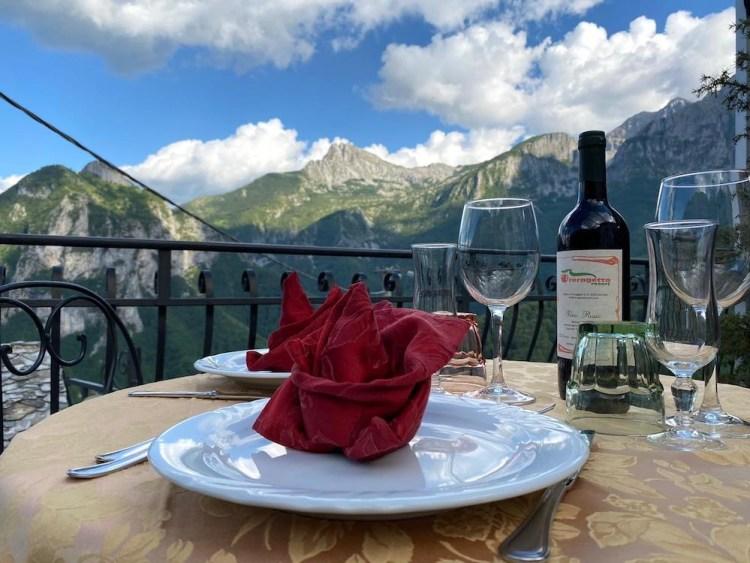 Il ristorane La Ceragetta è uno dei migliori ristoranti in Garfagnana con vista panoramica