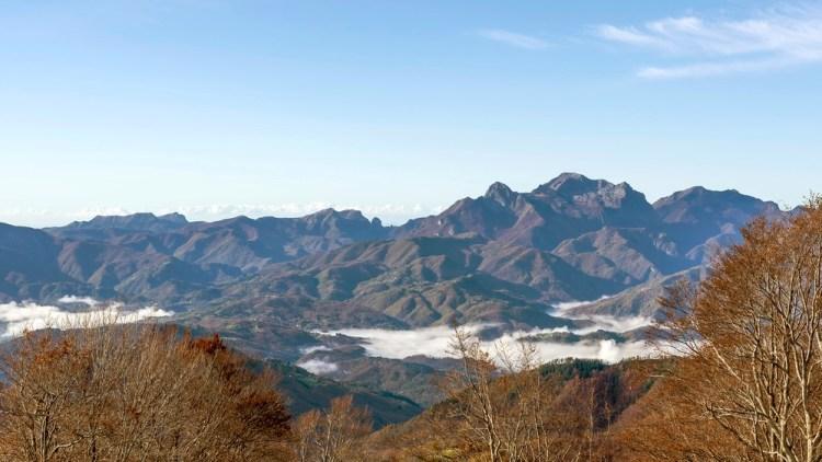 Panorama dal Santuario di San Pellegrino in Alpe in Garfagnana al confine tra Toscana ed Emilia