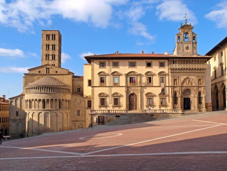 La Fraternita dei Laici in Piazza Grande ad Arezzo