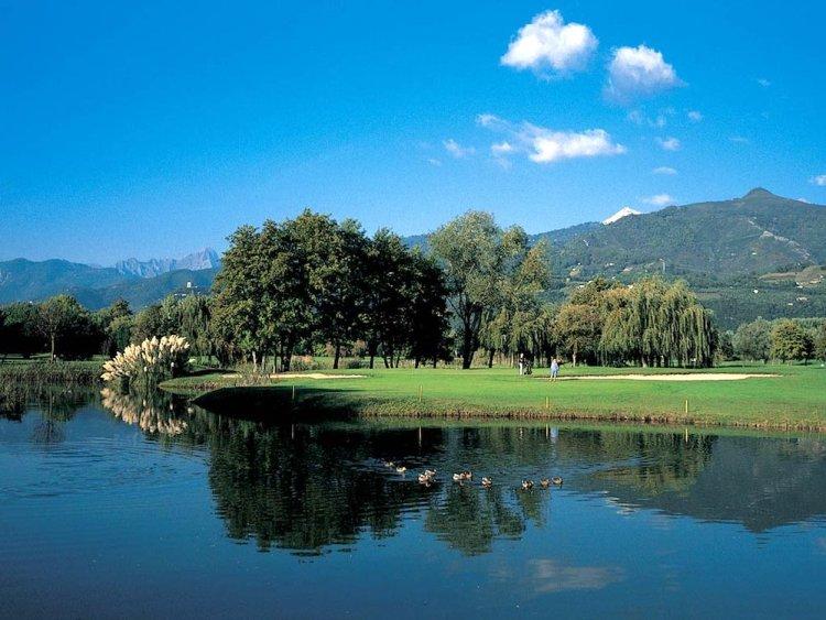 Il Versilia Golf Club è uno dei campi da golf della Toscana con più di 9 buche