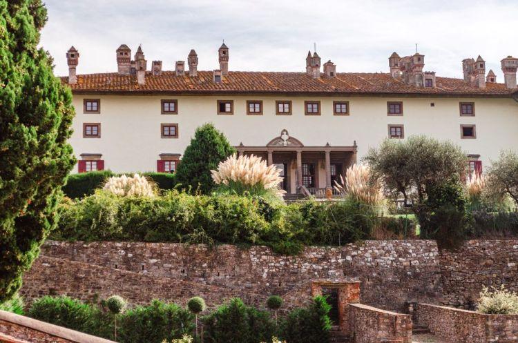 Villa La Ferdinanda ad Artimino si trova vicino al borgo di Carmignano