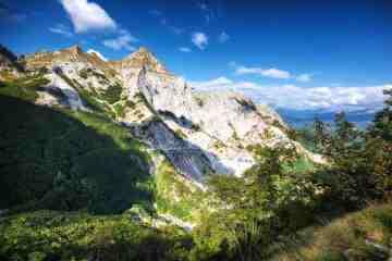 Il Monte Pisanino è una montagna tra Garfagnana e Lunigiana vicino alla Val Serenaia