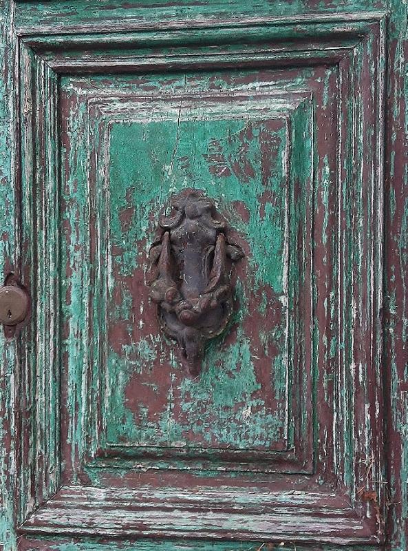 Old Door Knocker, Lanciole, Pescia