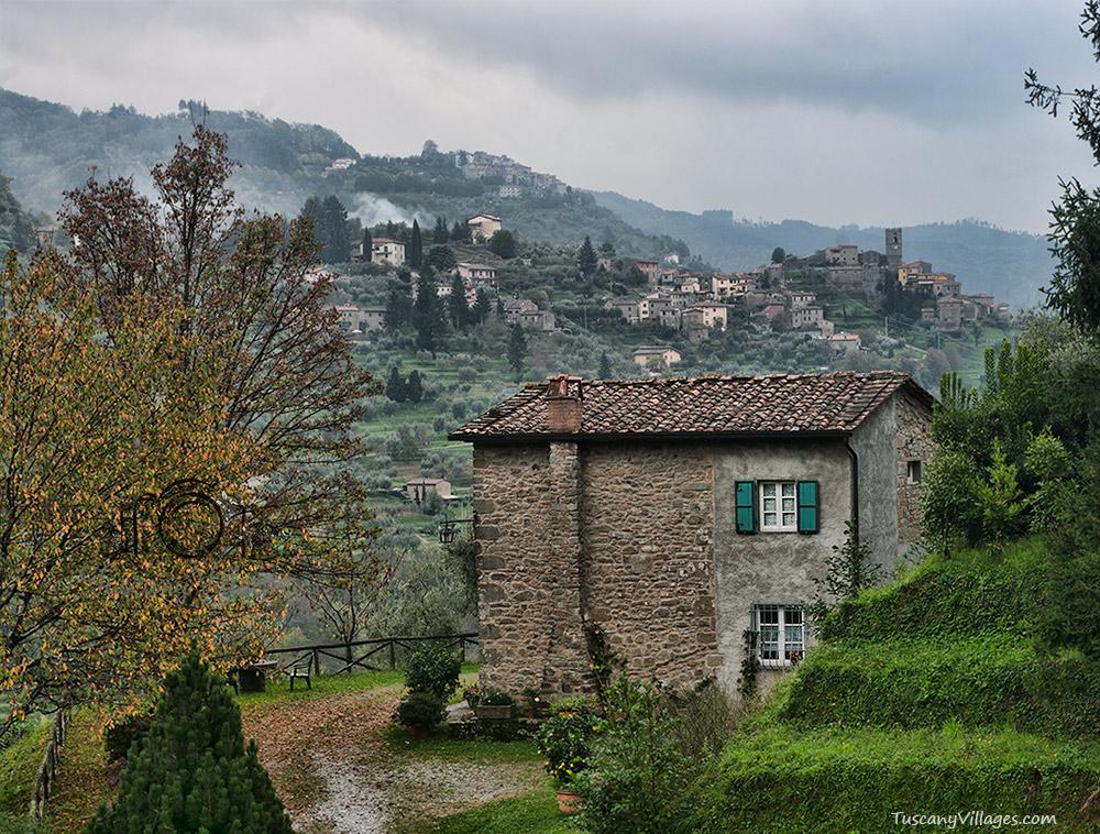 Castelvecchio with Sorana backdrop