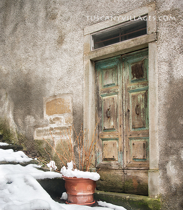 Old rustic door in the snow Tuscany, Snow