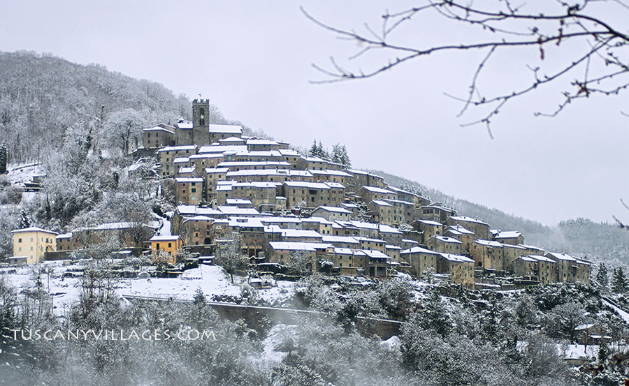 Tuscany Village in the snow - Pontito