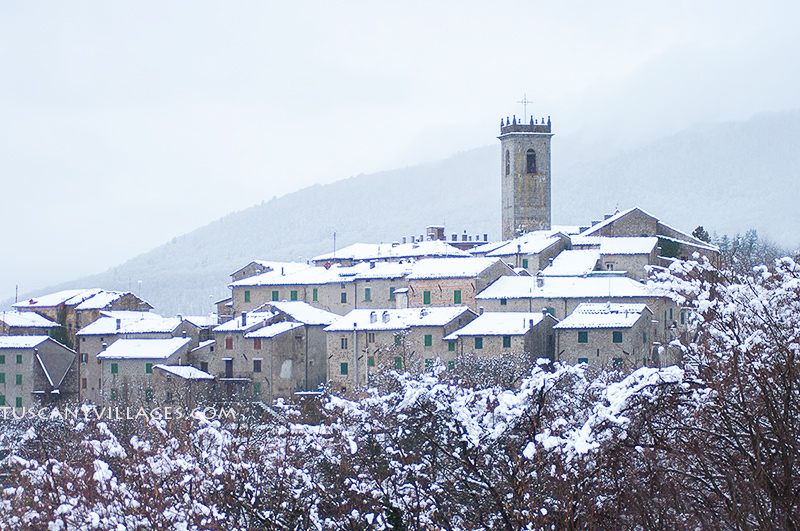 Tuscan Village in the snow - Stiappa