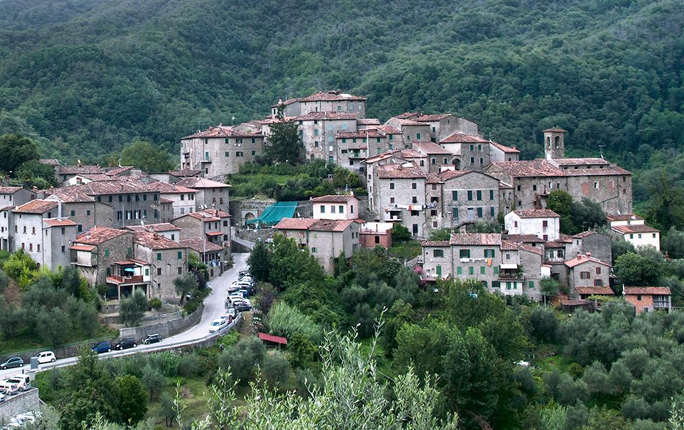 Header castelvecchio village