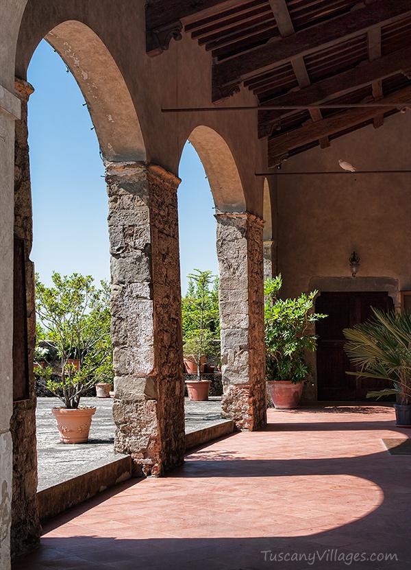 vellano-big-church-arches