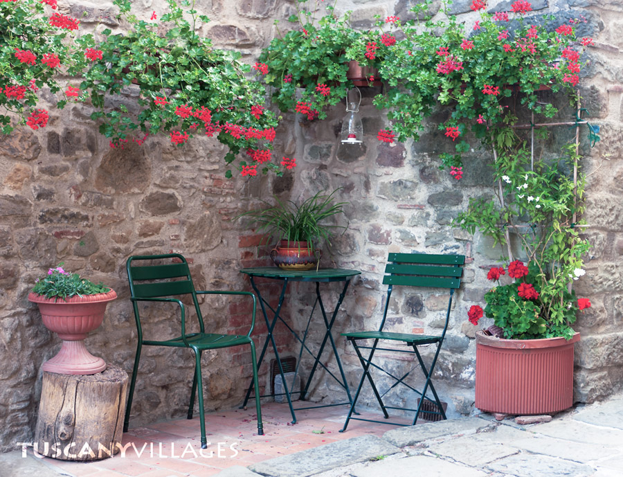 seats and flowers, Tuscany