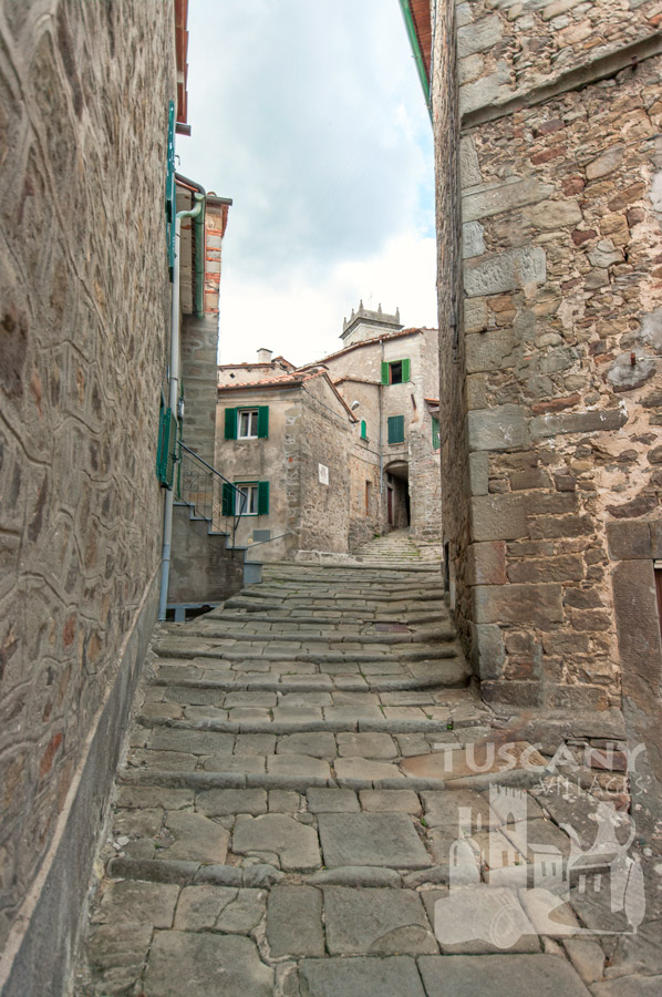 Medieval steep steps in Tuscany village, Stiappa