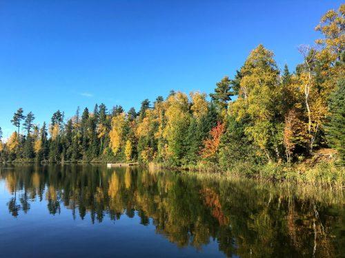 Round Lake fall colors