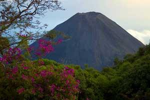Volcán Izaco