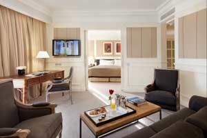 La suite 225 del Majestic recauda más de cuatro mil euros para los más vulnerables