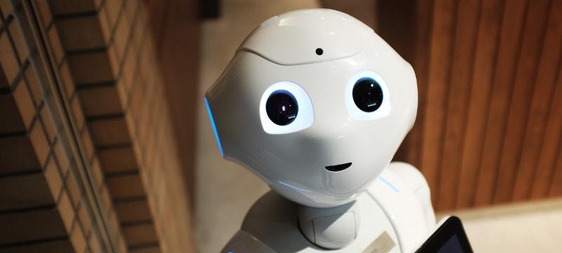 ¿Dejarías que te asesorara un robot en la contratación de tus seguros?