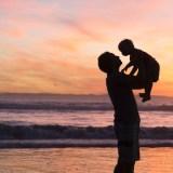 Voy a ser padre, ¿me conviene contratar un seguro de vida?