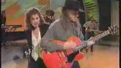 Photo of Amy Grant – Baby, Baby – Live
