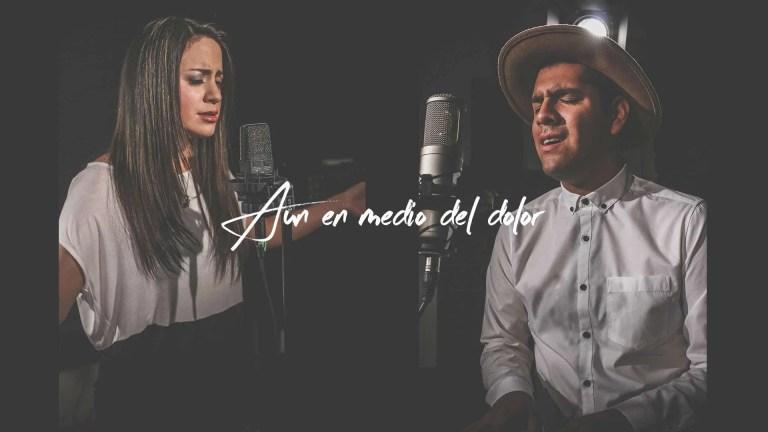 Aun en medio del dolor, Hillsong United – Cover Español Twice