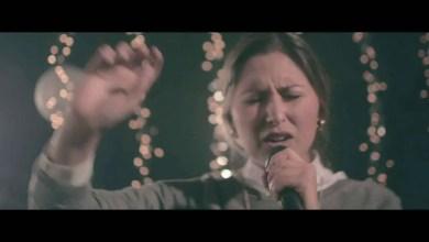 Photo of Paz Aguayo – Tu Gloria (Video Oficial)