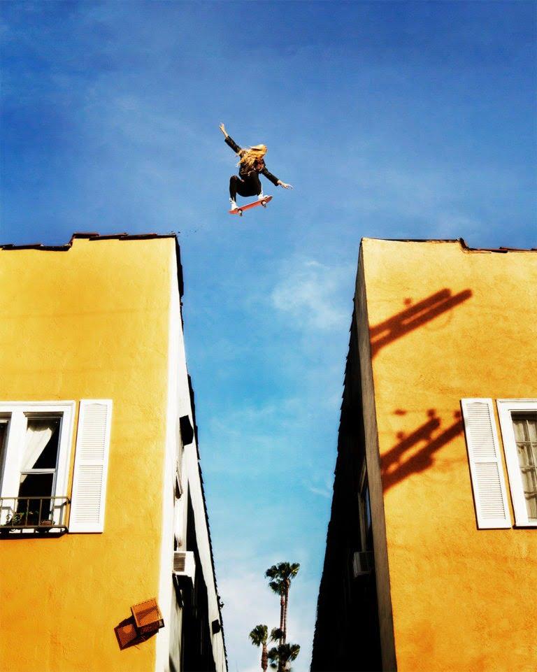La gravità e le sue difficoltà: le foto di Mike Dempsey 12