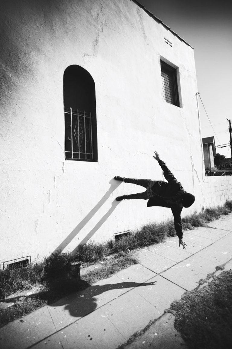 La gravità e le sue difficoltà: le foto di Mike Dempsey 14